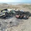 Inizia la pulizia delle spiagge: con ritardo notevole