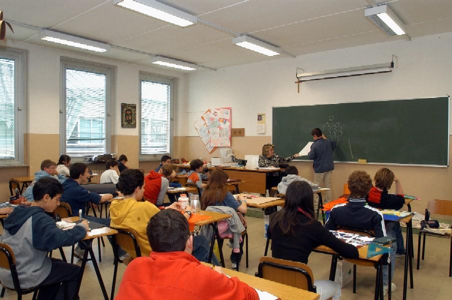 """Scuola """"Mascagni"""", sindaco Di Paola e ass. Testoni e Emmi incontrano i genitori"""