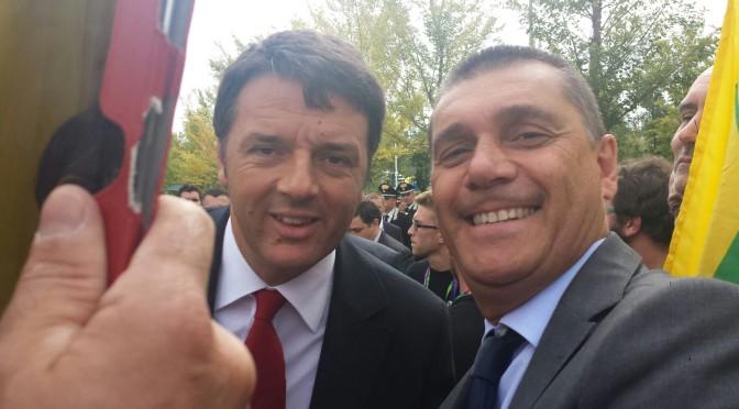 Breve colloquio del sindaco Di Paola col premier Renzi a Milano
